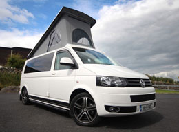 4-Bett Campervan VW T5 with elavating roof 2.0 Tdi